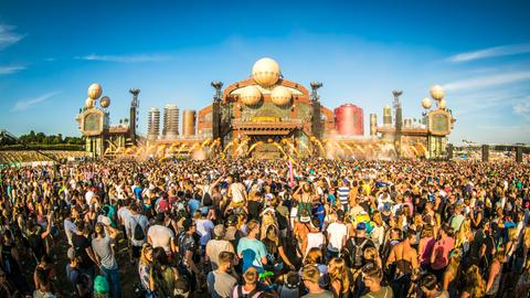 Parookaville Mainstage by day