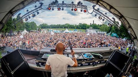 WCD Pool Sessions Mainstage