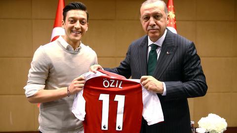 Erdogan Özil Kritik