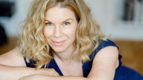 Julia Effertz, Schauspielerin und Intimitätskoordinatorin