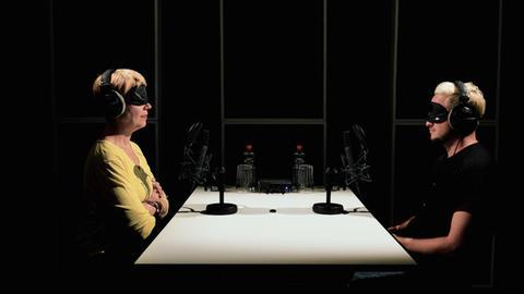 Kordula Stratmann und Teesy bei Talk-O-Mat von Spotify