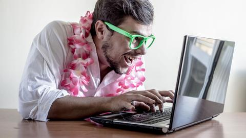Urlaub planen Laptop
